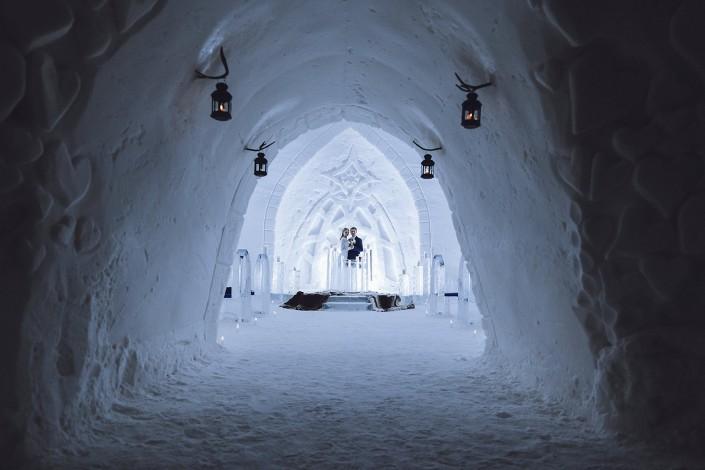 Häät huikeassa jää kappelissa Levillä