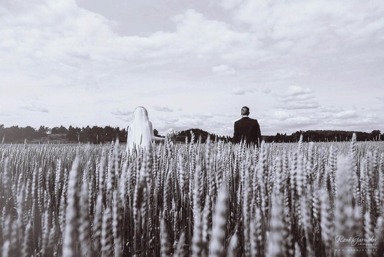 valokuvaaja-salo-haakuvaaja-halikko-mathildedal-emma-josh-3057